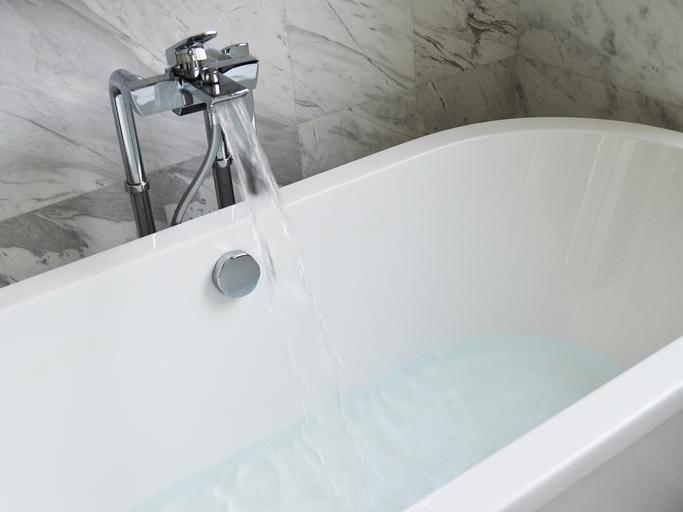 how to clean jets in bathtub