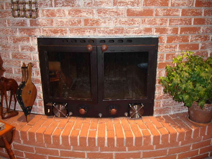 tips to pick right fireplace doors