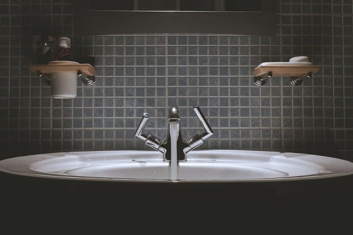 porcelain vs ceramic sink
